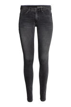 Feather Soft Low Jeggings - Black denim - Ladies | H&M 2