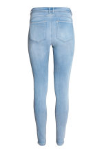 Feather Soft Low Jeggings - Light denim blue - Ladies | H&M 3