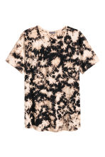 T-shirt with a worn look - Light beige/Pattern - Men | H&M 2