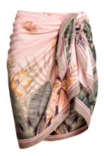 Patterned sarong - Powder/Palm leaf - Ladies | H&M 1
