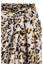 Patterned sarong - Grey/Leopard print - Ladies | H&M 3