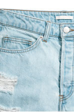 Short High Waist Shorts - Light denim blue/Trashed - Ladies | H&M 4