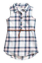 Sleeveless shirt dress - Dark blue/Checked - Kids | H&M 2