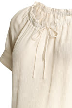 MAMA Crinkled blouse - Natural white - Ladies | H&M 3