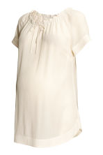MAMA Crinkled blouse - Natural white - Ladies | H&M CN 2
