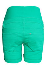 MAMA Twill shorts - Green - Ladies | H&M IE 2
