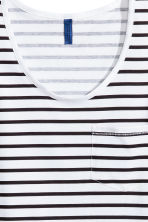 Vest top with a chest pocket - White/Striped - Men | H&M CN 3