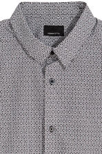 Short-sleeved shirt Slim fit - Black/Patterned - Men | H&M 3