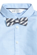 Shirt with tie/bow tie - Light blue -  | H&M 3