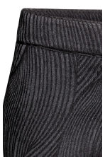Cigarette trousers - Black/Patterned - Ladies | H&M CN 4