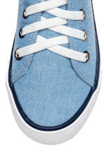 Canvas trainers - Blue/Chambray - Kids | H&M CN 4