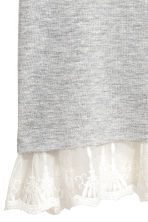 Top with a lace trim - Grey - Ladies | H&M CN 4
