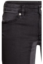 Skinny Ankle Jeans - Black washed out - Ladies | H&M 4