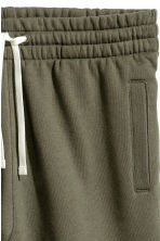 Sweatshirt shorts - Khaki green -  | H&M 3
