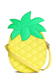 Pineapple-shaped shoulder bag