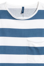 單胸袋T恤 - White/Blue striped - Men | H&M 3
