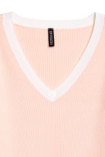 V-neck short-sleeved jumper - Light apricot - Ladies | H&M CN 3