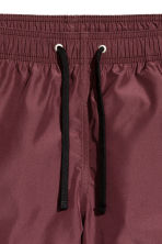 Short swim shorts - Burgundy - Men | H&M 4