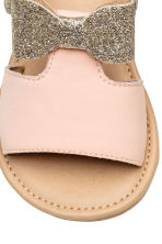 Appliquéd sandals - Powder pink/Gold - Kids | H&M 4
