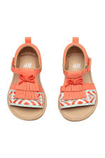 Appliquéd sandals - Coral - Kids | H&M 1