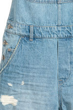 Denim dungaree shorts - Light denim blue - Ladies | H&M CN 4