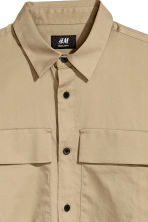 Utility shirt Regular fit - Beige - Men | H&M CN 3