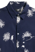 Cotton shirt Regular fit - Dark blue/Floral - Men | H&M 3