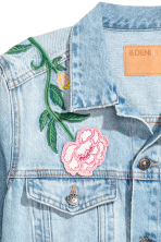 Embroidered denim jacket - Light denim blue/Floral - Ladies | H&M 4
