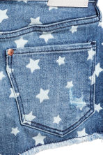 Patterned denim shorts - Denim blue/Star -  | H&M 4