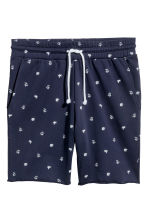 Patterned sweatshirt shorts - Dark blue/Palms - Men | H&M 2