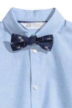 Shirt with tie/bow tie - Light blue - Kids | H&M 3