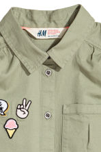 Sleeveless blouse - Light khaki green - Kids | H&M 3