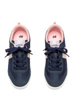 Sneakers in mesh - Blu scuro -  | H&M IT 2