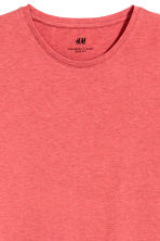 Round-neck T-shirt Slim fit - Coral marl - Men | H&M CN 3