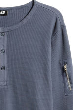 Waffled Henley shirt - Grey-blue -  | H&M 2
