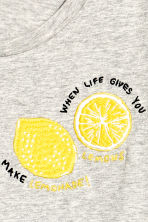 T-shirt with a motif - Grey/Lemon - Ladies | H&M GB 3