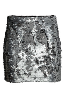 Short sequined skirt