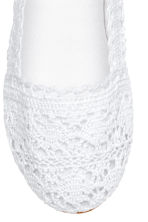 Lace-patterned ballet pumps - White -  | H&M CA 3