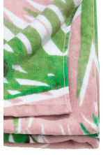 Patterned beach towel - Light pink/Leaf - Home All | H&M CN 4
