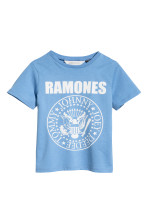 Light blue/Ramones