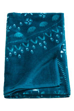 Patterned beach towel - Petrol blue - Home All | H&M CN 2