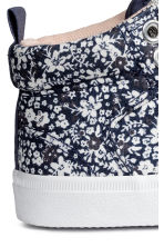 Hi-top trainers - Dark blue/Floral -  | H&M 4
