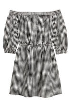 Off-the-shoulder dress - Black/White/Checked - Ladies | H&M GB 2