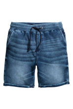 Denim-look sweatshirt shorts - Blue washed out - Men | H&M CN 2