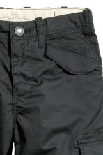 Knee-length cargo shorts - Black - Kids | H&M 2