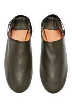 Leather slip-ons - Dark khaki green - Men | H&M CN 2