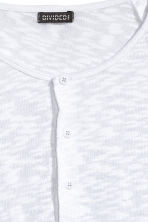 Fine-knit Henley shirt - White - Men | H&M CN 2