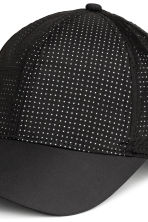 Reflective sports cap - Black - Ladies | H&M 2