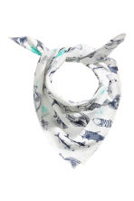 Patterned scarf - White/Fish - Kids | H&M CN 1