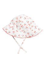Sun hat with ties - White/Cherry - Kids | H&M 1